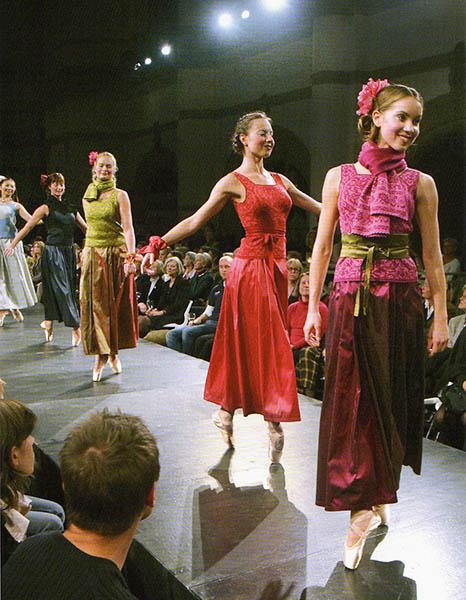 Tukholman Nordiska museet  2005 mannekiineinä Kuninkaallisen Oopperan tanssijoita.